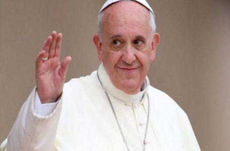 Međunarodni dan starijih osoba. Papa Franjo: Oni su stabla koja stalno donose plod