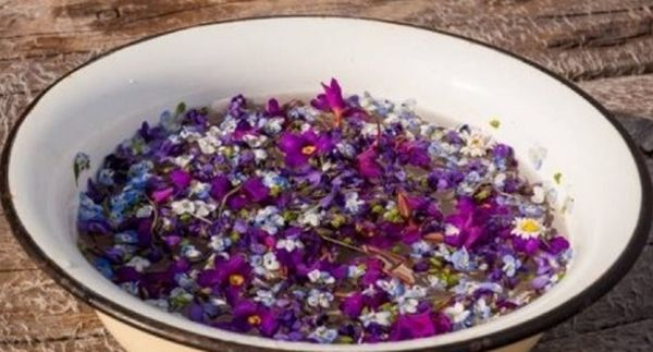 Običaj umivanja u cvijeću na Cvjetnu Nedjelju