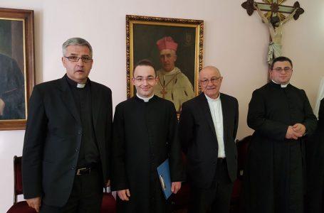 Svećenici i redovnici/ice na uskrsnom čestitanju kod kardinala Vinka