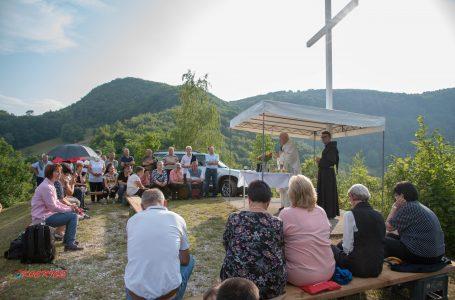 Proslavljena sveta misa na križu sv. Ane u Lađicama
