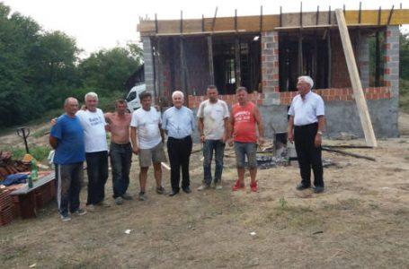 Biskup Komarica posjetio prve povratnike u selu Debeljak