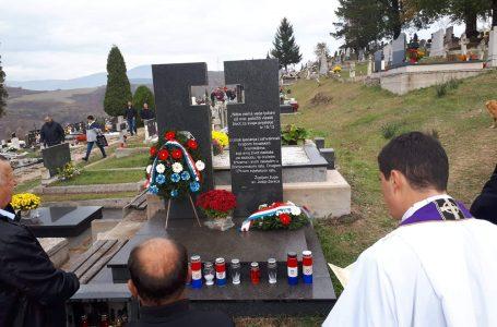 Pomen stradalim braniteljima na groblju Sveti Križ G.Zenica