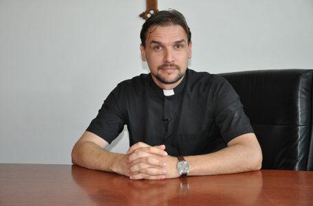 Župnik Alberto Zornada otkriva kako vjernici mogu blagosloviti jelo (posvećenje)