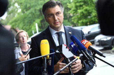 Premoćna pobjeda HDZ-a na izborima za Hrvatski sabor, Restart koalicija debelo zaostaje