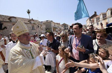 Zašto Vatikan ne bira biskupe među svećenicima iz matičnih biskupija